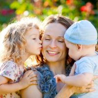 Красивые статусы про маму(300 статусов)